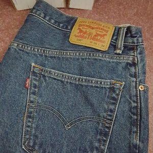 Levis jeans size 36x34